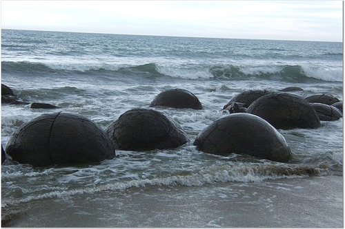 Photo: Moeraki Boulders, New Zealand