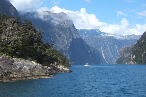 Photo: Milford Sound, New Zealand