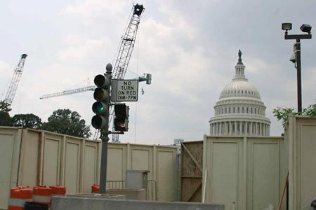 Photo: Washington, D.C., Mall barriers