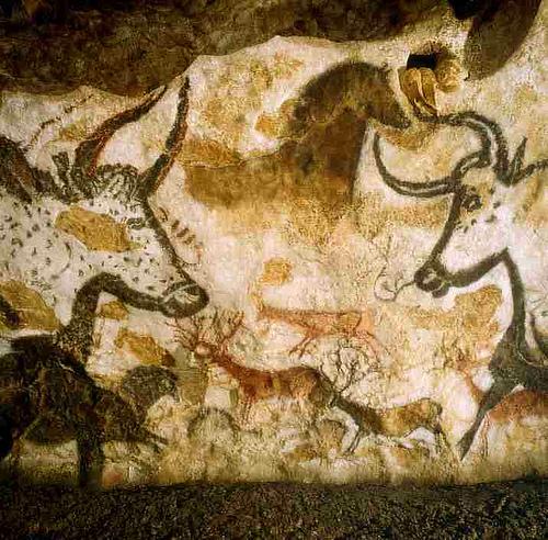 Photo: Lascaux Cave art
